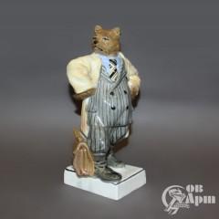 "Скульптура ""Медведь-бюрократ"""